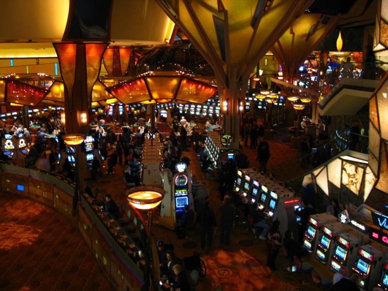 mohegan sun casinos